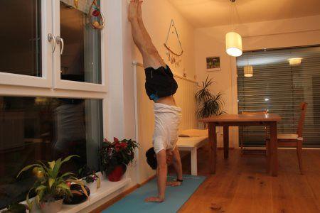 Grundübungen im Bodyweight Training - Handstand